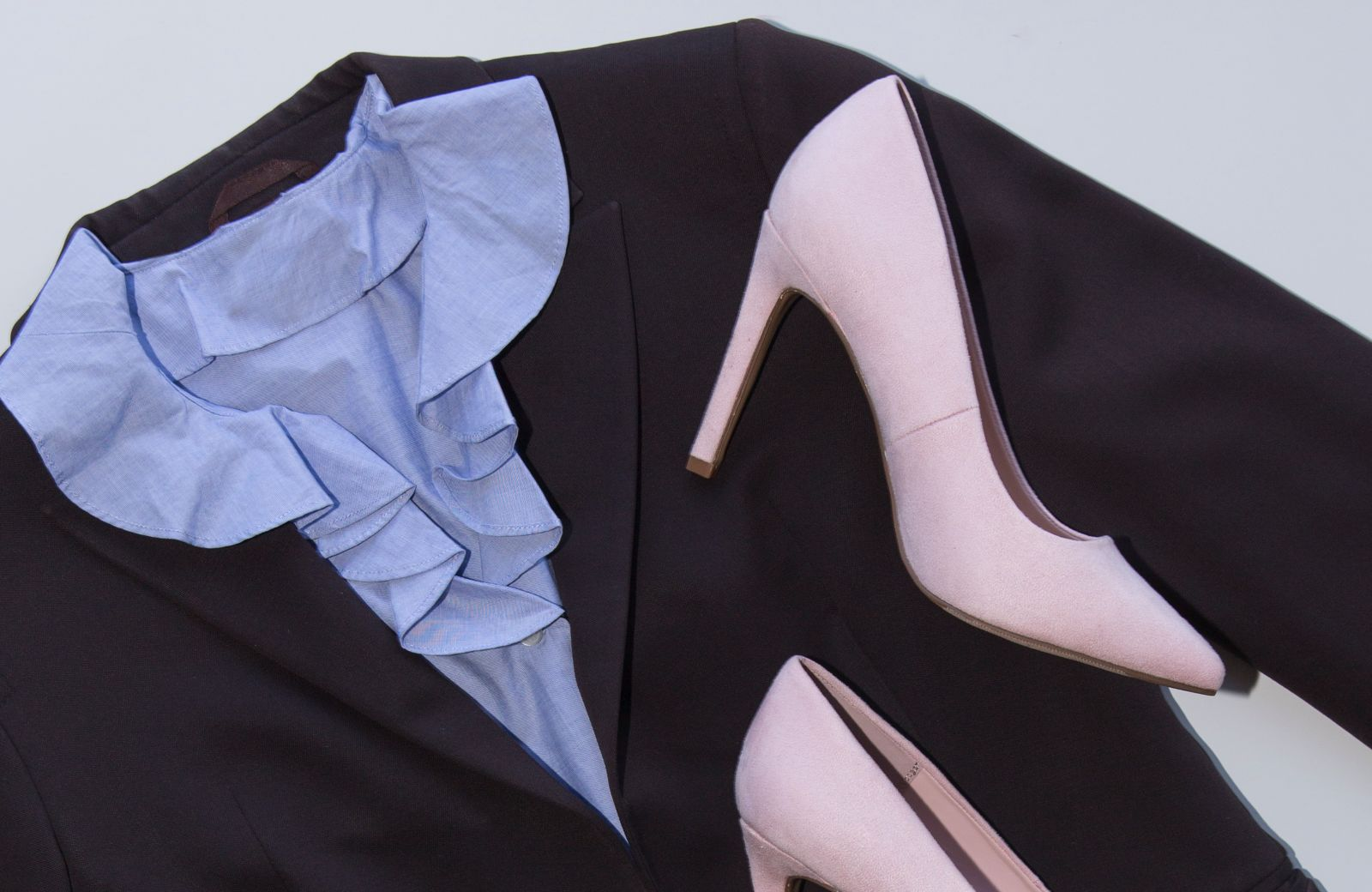 demystifying-office-dress-code-policy-formal-women